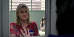 Piper rend visite à Alex en prison